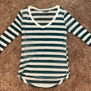 Half-sleeve shirt